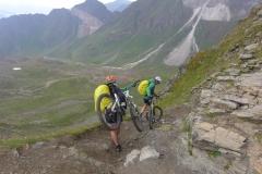 Abstieg zur Schneeberghütte - Rifugio Monteneve 2355 m