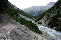 Höher über dem Wildbach als es aussieht