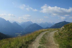 Transalp - Durch das Karnischee Gebirge ins Soca Tal