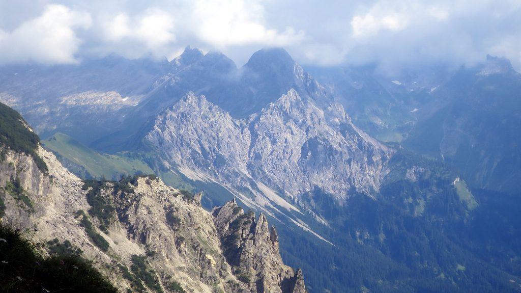 Blick ins Lechquellgebirge -Transalp vom Bodensee zum Comer See