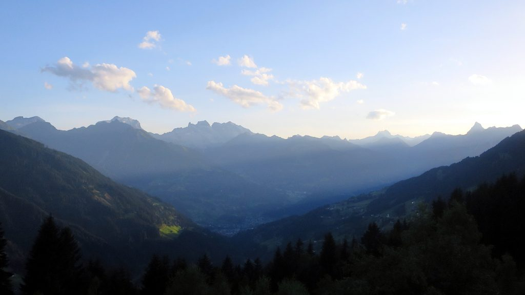 Blick vom Panoramagsthof Kristberg -Transalp vom Bodensee zum Comer See