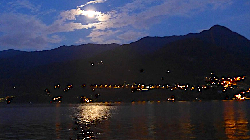 Comer See bei Nacht -Transalp vom Bodensee zum Comer See