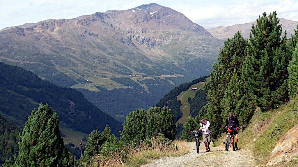 hochschieben zum Rifugio Pizzini-Frattola