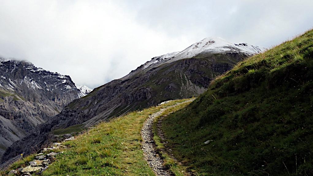 alte Militärstraße im Gebirge