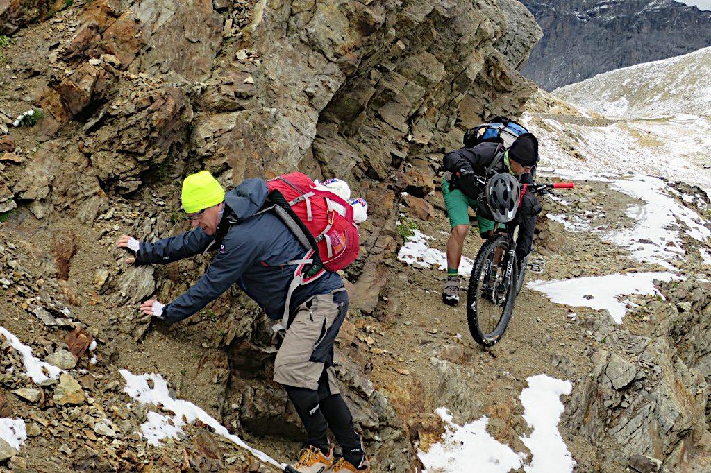 Es fehlt ein Stück Weg hinüber zum Bocchetta di Pedenoletto