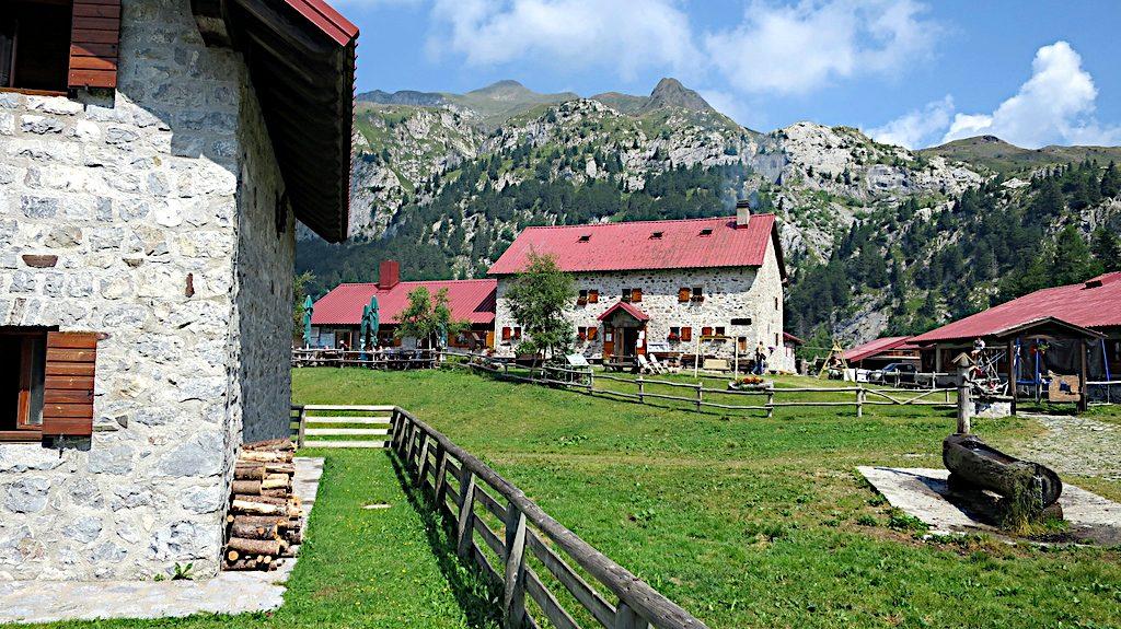 Das Rifugio Casera Pramosio an der Grenze von Italien und Österrreich