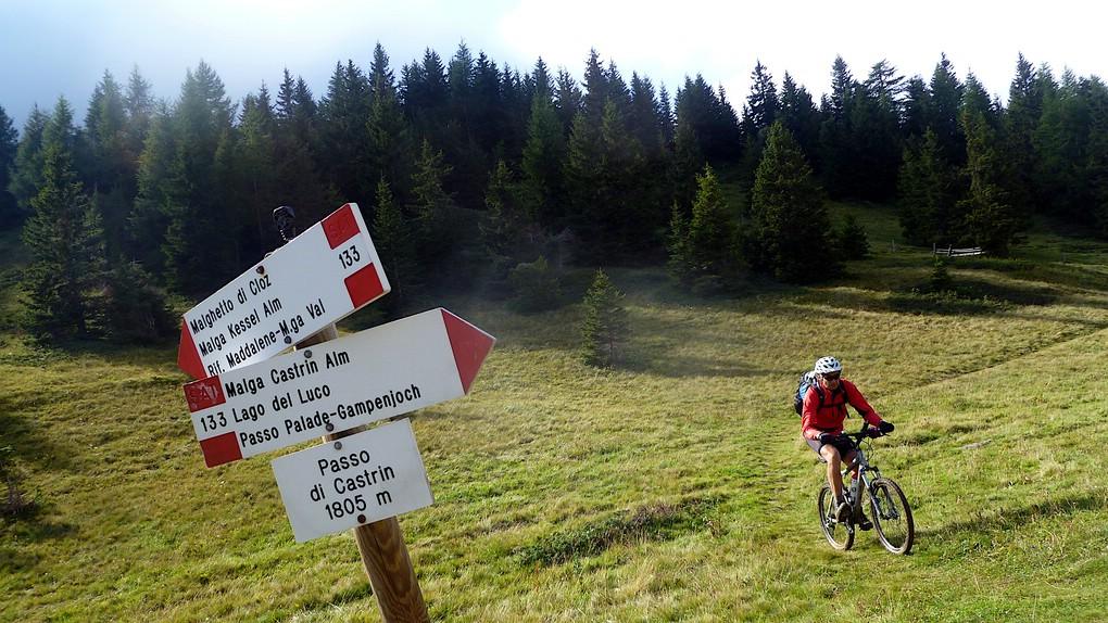 Mountainbiker am Hofmahdjoch - Passo di Castrin