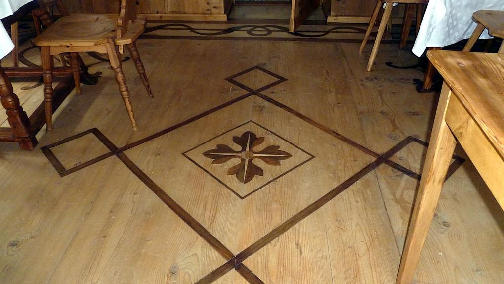 Sehr schöner Fußboden in der Alberga Alpina