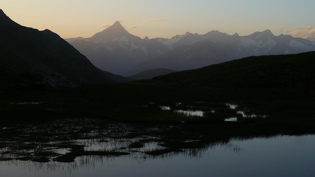 Bergkette mit dem Rauthorn in der Abenddämmerung